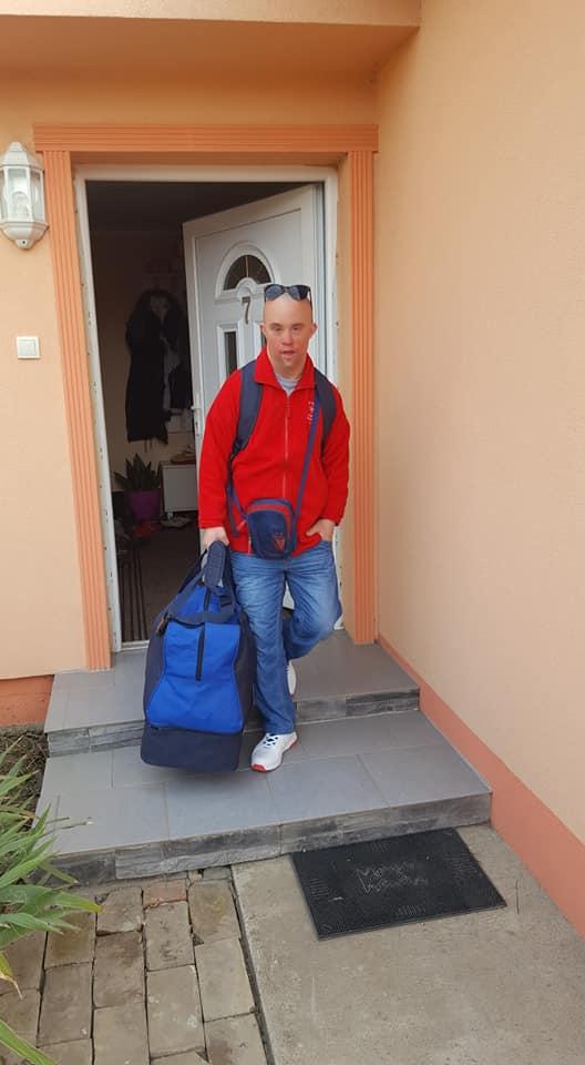 Filip spreman za put u Abu dabi