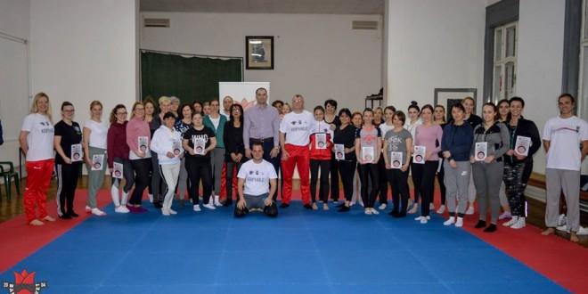 Kurs samoodbrane za dame foto Karate klub Banatski cvet