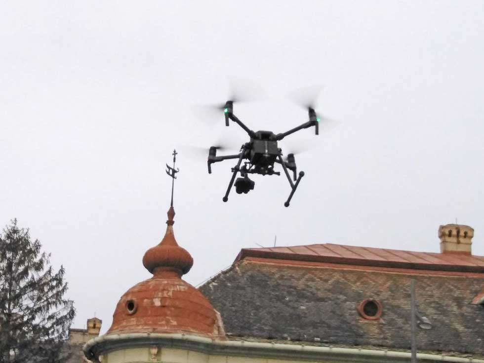 dron-sa-termovizijskom-kamerom-2